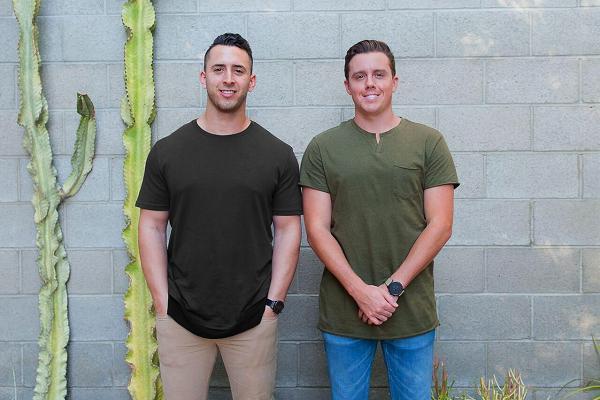 Hai đồng sáng lập thương hiệu MVMT - Jake Kassan và Kramer LaPlante