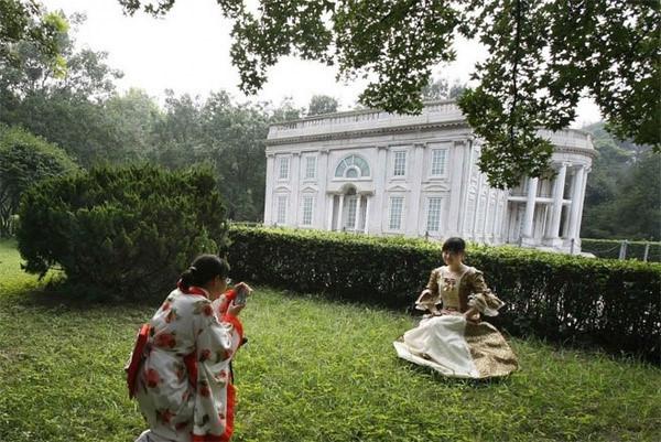Những công trình nổi tiếng thế giới bị Trung Quốc photocopy không thương tiếc - Ảnh 17.