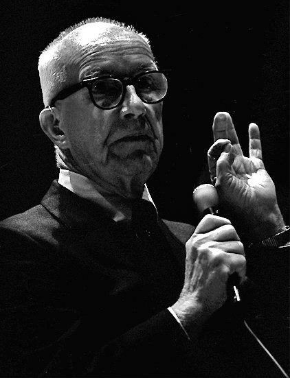 Richard Buckminster Fuller (1895-1983).