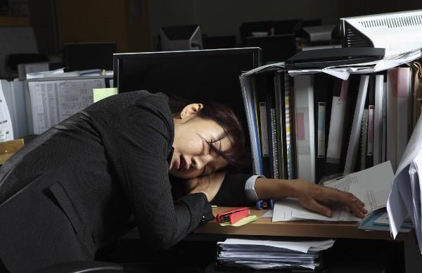 Giải quyết tình trạng tử vong do làm việc quá sức vẫn là một vấn đề nan giải tại Nhật Bản trong tương lai gần - (Ảnh minh họa).