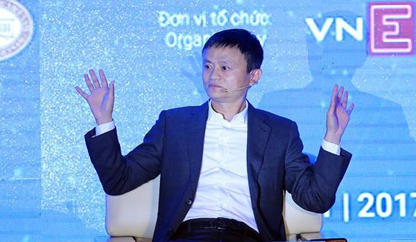 Jack Ma chia sẻ về thanh toán điện tử tại VEPF 2017.(Ảnh: Vnexpress/ Ngọc Thành)