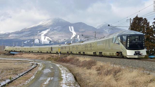 Trải nghiệm đoàn tàu siêu sang chỉ dành cho giới nhà giàu Nhật Bản với giá vé 12.000 USD/người - Ảnh 2.