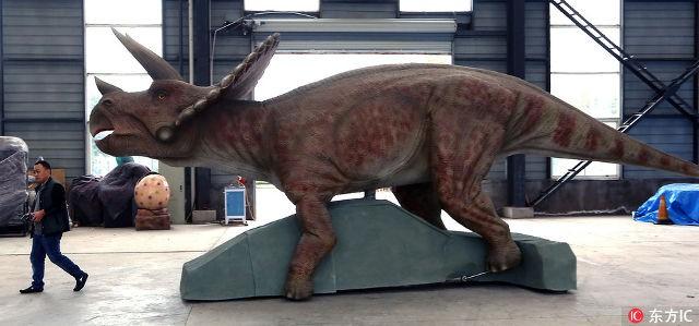Thành phố khủng long ở Trung Quốc: Nơi tạo ra 90% mô hình khủng long trên toàn thế giới - Ảnh 2.