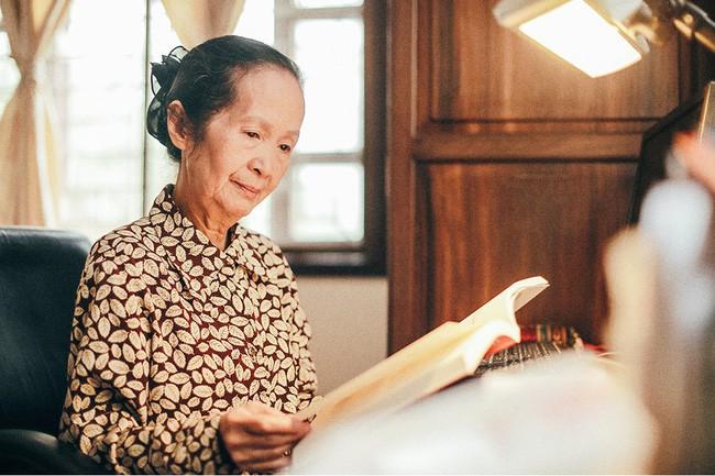 Chuyên gia Phạm Chi Lan: Sinh viên phải phát huy trí tuệ của mình, chứ không phải ra trường bí bách quá đi làm công việc chân tay - Ảnh 1.