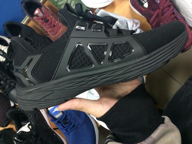Đánh giá chi tiết 1 trong 100 đôi Bitis Hunter X Midnight Black đầu tiên: đế giống Nike đến lạ, chất lượng tốt, giá chưa đến 1 triệu - Ảnh 3.