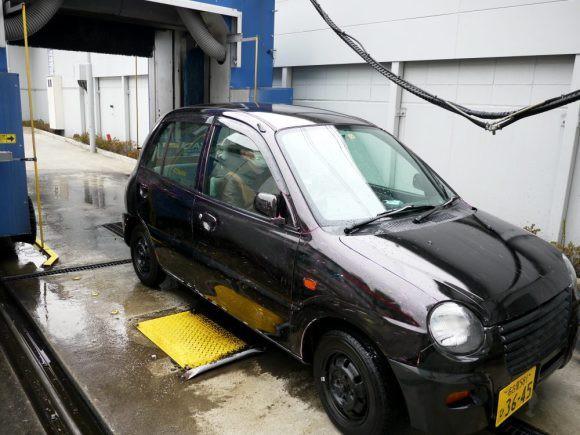 Nhật Bản: Bị chê dở hơi vì dùng bút viết bảng để sơn ô tô, sau khi đem xe đi rửa ai nấy đều bất ngờ - Ảnh 15.