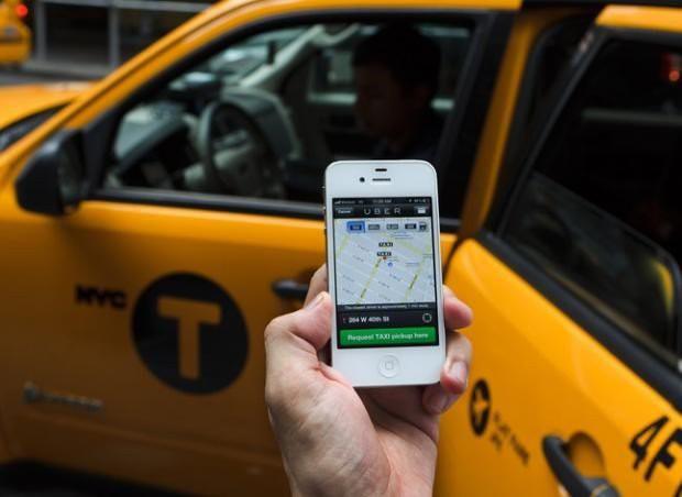 Sếp FPT: Nếu taxi truyền thống không thay đổi thì họ sẽ chết trong Cách mạng 4.0 - Ảnh 1.