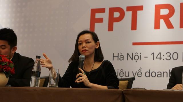 Lý do cứ 100 chiếc điện thoại cao cấp giá trên 13 triệu đồng tại Việt Nam được bán ra, thì 44 chiếc là của FPT Shop - Ảnh 2.