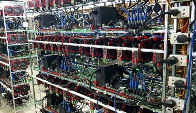 Đổ xô nhập máy đào tiền ảo Bitcoin từ Trung Quốc - Ảnh 1.