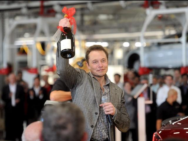 Các CEO doanh nghiệp đau đầu vì không biết giữ chân nhân tài như thế nào, hãy học hỏi cách chiều nhân viên của Elon Musk - Ảnh 1.
