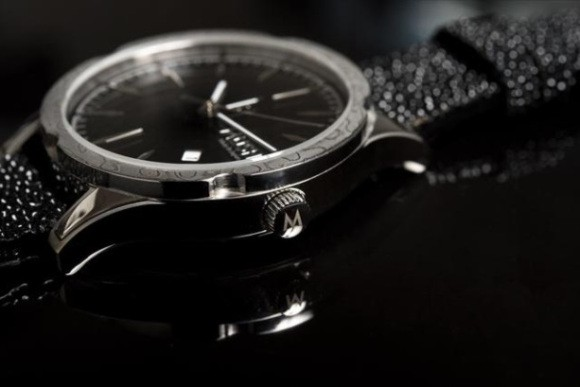 Đây là chiếc đồng hồ được tạo nên từ kỹ thuật rèn kiếm 700 năm tuổi của Nhật Bản - Ảnh 8.
