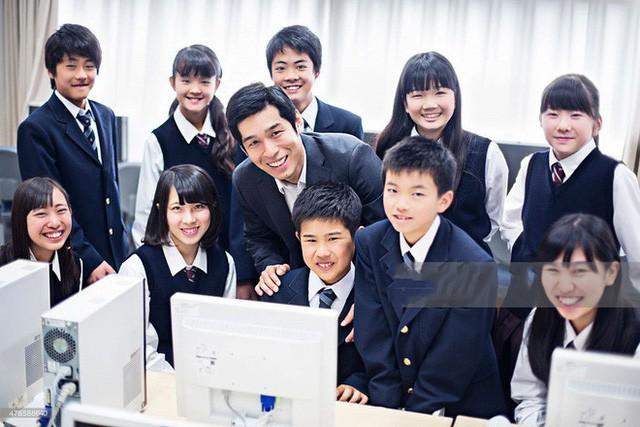 15 quy định hà khắc trong trường học Nhật Bản sẽ khiến con phải biết ơn vì độ mềm mỏng của bố mẹ ở nhà - Ảnh 11.