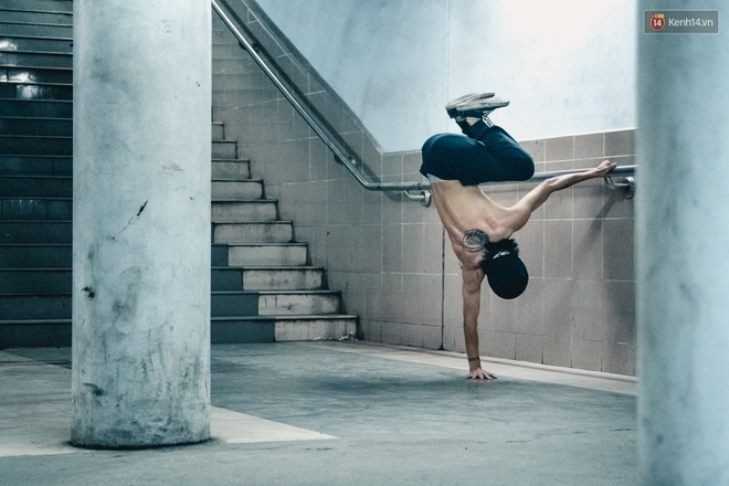 Chùm ảnh: Một nhịp sống Hà Nội thật khác ở phố đi bộ 12 cửa dưới lòng đất trong 10 năm qua - Ảnh 13.