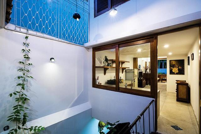 Ngôi nhà ống của đại gia đình trong hẻm nhỏ ấp ủ ý tưởng suốt 10 năm, đổi 3 đội thợ mới hoàn thành ở Sài Gòn - Ảnh 14.