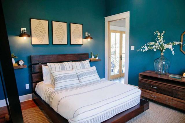 Hình ảnh phòng ngủ lớn với giường siêu rộng, có thể ở được 4 người.