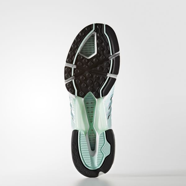 Hãy tặng 5 mẫu sneakers siêu thoáng này cho ông bạn có bàn chân rau mùi - Ảnh 15.