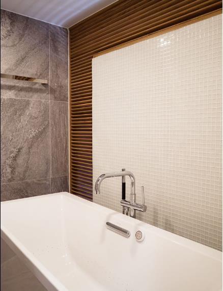 Ngôi nhà ống 7 tầng sâu hun hút ở TP. HCM đẹp ấn tượng trên tạp chí kiến trúc của Mỹ - Ảnh 17.
