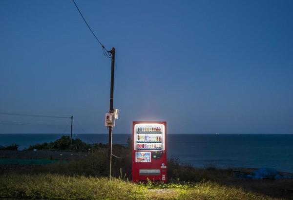 Câu chuyện đằng sau những chiếc máy bán hàng tự động cô đơn nhất Nhật Bản - Ảnh 3.