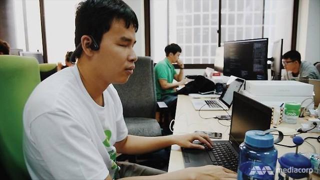 Chàng lập trình viên khiếm thị người Việt được vinh danh trên báo nước ngoài: Tôi không muốn mình trở nên đặc biệt - Ảnh 3.