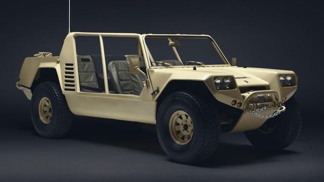 LM002 - SUV đầu tiên của Lamborghini và những góc khuất ít ai biết - Ảnh 2.