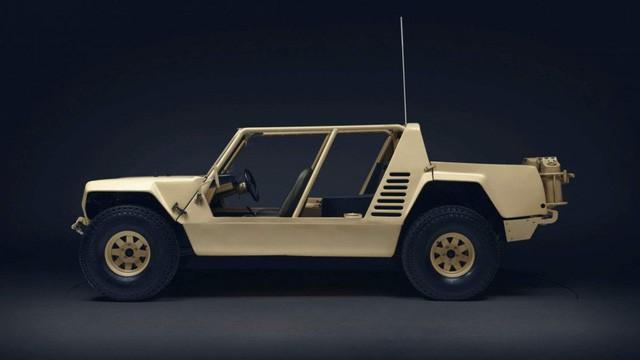 LM002 - SUV đầu tiên của Lamborghini và những góc khuất ít ai biết - Ảnh 4.
