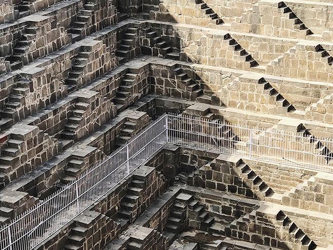 Giải nhất thể loại ảnh kiến trúc được trao cho Paddy Chao, hiện sống tại Đài Bắc, Đài Loan (Trung Quốc). Bức ảnh này được anh chụp khi đến thăm địa danh Chand Baori tại Ấn Độ