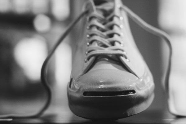 """Những đôi Jack Purcell với phần mõm giày """"miệng cười"""" đặc trưng"""