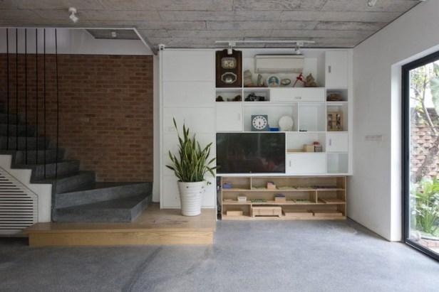 Bước vào ngôi nhà ngay tầng 1 là phòng khách và khu vực bếp ăn