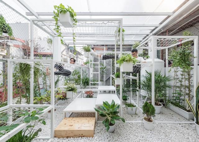 Tầng thượng xanh tươi của KTS Việt lọt Top 10 công trình có tác động tích cực đến xã hội của năm 2017 do Designboom bình chọn - Ảnh 10.
