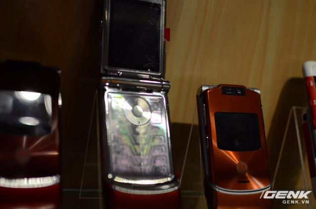 Motorola RAZR V3xx một thời làm mưa làm gió trên thị trường di động.