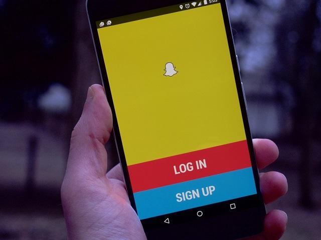 Nếu Snapchat về tay Google và có được sự ưu ái như Hangouts, Facebook sẽ phải dè chừng.