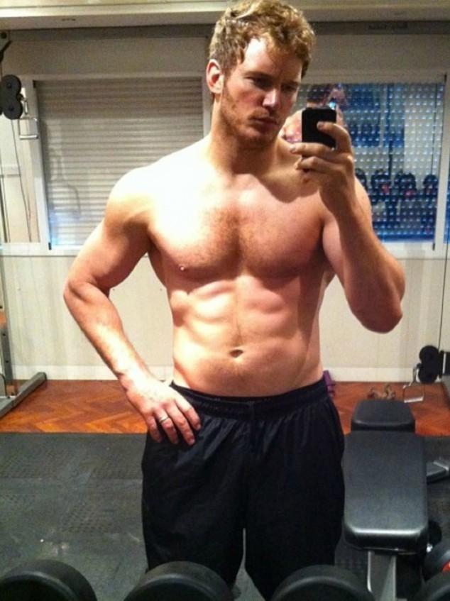 Loạt sao nam chứng minh: Con trai chẳng cần thẩm mỹ, chỉ chăm tập gym là đã lột xác ngoạn mục - Ảnh 23.