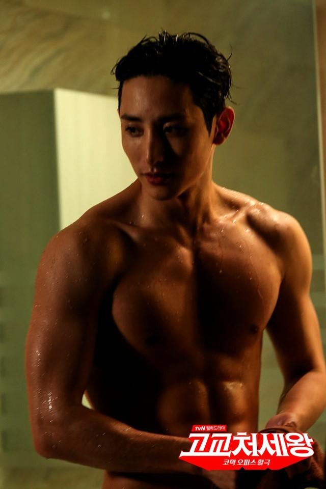 Loạt sao nam chứng minh: Con trai chẳng cần thẩm mỹ, chỉ chăm tập gym là đã lột xác ngoạn mục - Ảnh 34.