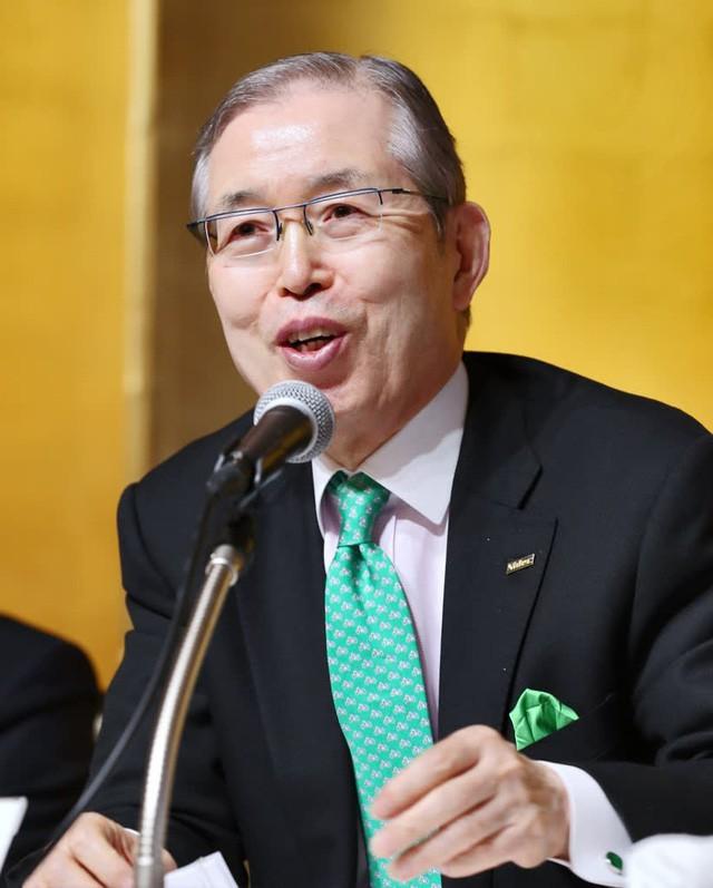 Doanh nhân kiên nhẫn nhất Nhật Bản: Năm nào cũng viết thư hỏi mua các công ty trên khắp thế giới, kiên nhẫn chờ tới 16 năm để đối tác gật đầu bán mình - Ảnh 1.