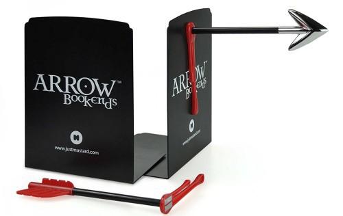 Bộ mũi tên có nam châm, bạn chỉ cần dính lên chồng sách của mình là xong.