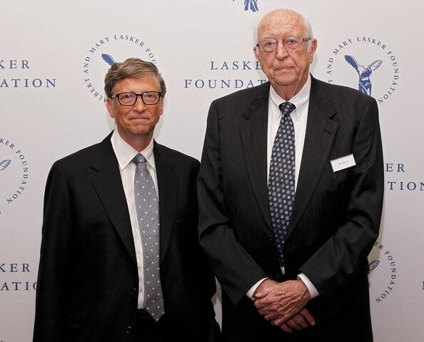 Tỷ phú Bill Gates và cha của mình.