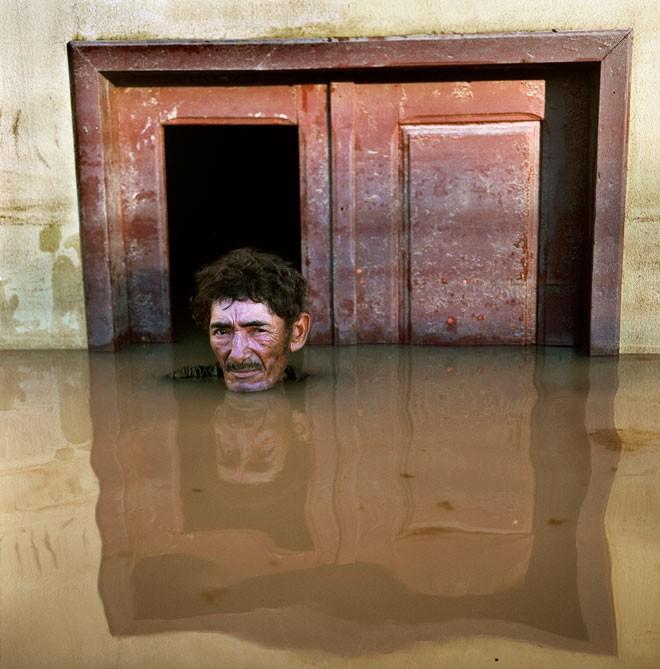 Loạt ảnh biết nói về những con người phải cực khổ chống lại hậu quả của biến đổi khí hậu - Ảnh 1.