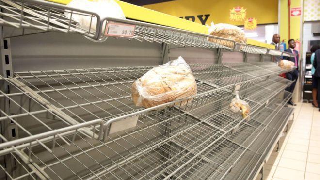 Zimbabwe: KFC và nhiều cửa hàng đồ ăn nhanh đóng cửa vì hết tiền mua thịt gà - Ảnh 2.
