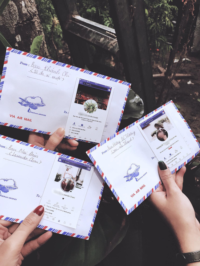 Mừng cưới thời 4.0: Cả nhóm in hình trang Facebook cá nhân dán lên phong bì cho cô dâu chú rể đỡ nhầm - Ảnh 2.
