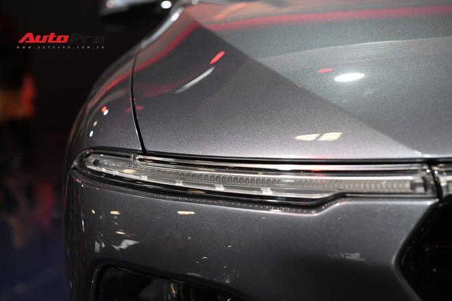 HOT: Ảnh thực tế sedan VinFast A2.0 vừa ra mắt hoành tráng tại Paris Motor Show 2018 - Ảnh 3.