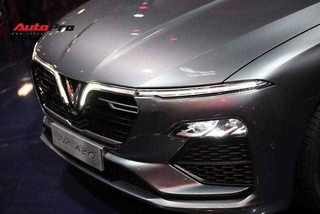 HOT: Ảnh thực tế sedan VinFast A2.0 vừa ra mắt hoành tráng tại Paris Motor Show 2018 - Ảnh 6.