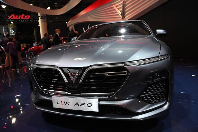 HOT: Ảnh thực tế sedan VinFast A2.0 vừa ra mắt hoành tráng tại Paris Motor Show 2018 - Ảnh 8.
