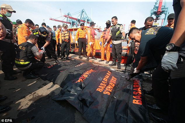 Hành khách duy nhất thoát khỏi thảm họa hàng không của Indonesia vì đến sân bay muộn 10 phút - Ảnh 2.