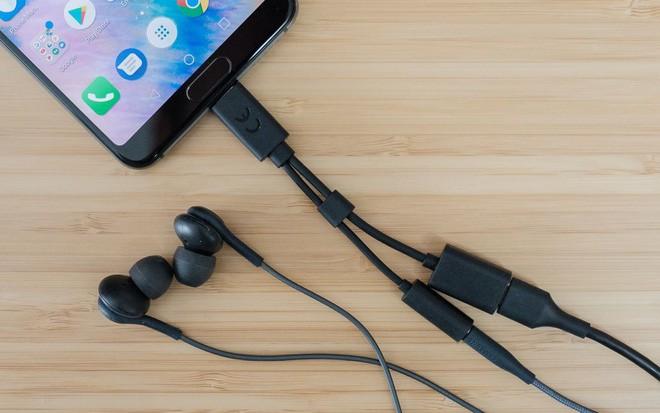 Vì sao bạn chưa cần phải lo lắng về số phận của cổng Lightning trên iPhone - Ảnh 2.