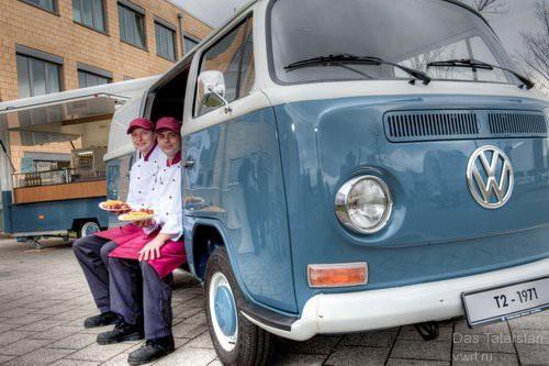 [Vietsub] Bạn có biết hãng xe hơi Đức Volkswagen bán được nhiều xúc xích còn hơn là bán ô tô? - Ảnh 2.