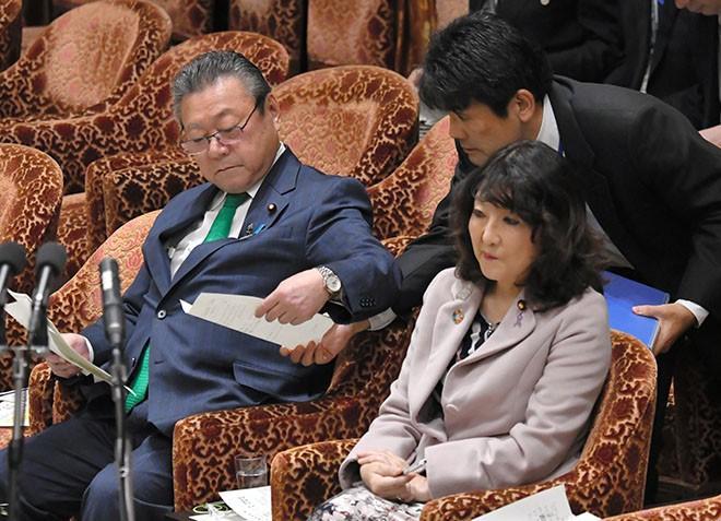 Nhật Bản dậy sóng khi Bộ trưởng An ninh mạng thừa nhận chưa bao giờ sử dụng máy tính - Ảnh 2.