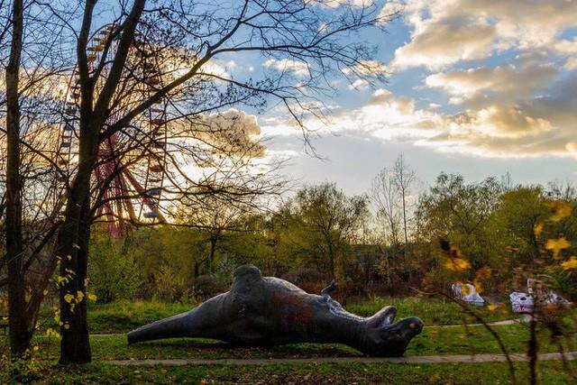 Spreepark: Từng là công viên giải trí hàng đầu nước Đức, lụn bại sau khi rơi vào tay trùm thuốc phiện rồi bị bỏ hoang suốt 16 năm qua - Ảnh 12.