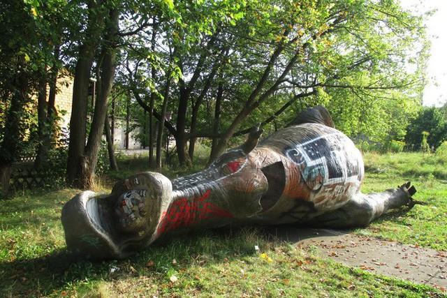 Spreepark: Từng là công viên giải trí hàng đầu nước Đức, lụn bại sau khi rơi vào tay trùm thuốc phiện rồi bị bỏ hoang suốt 16 năm qua - Ảnh 13.