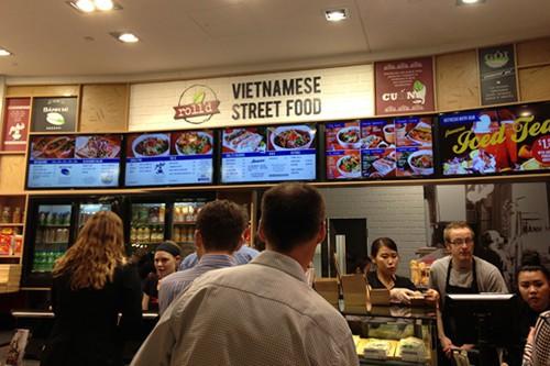 Chàng trai gốc Việt sở hữu đế chế nhà hàng nem cuốn đang xâm chiếm khắp nước Úc, tăng trưởng 800%, thu về hàng chục triệu USD mỗi năm - Ảnh 2.
