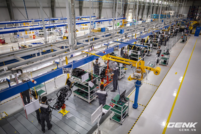 Ngắm tận mắt nhà máy lắp ráp xe máy điện của VinFast, trông chẳng khác nào Gigafactory của Elon Musk! - Ảnh 4.